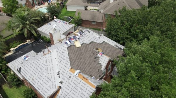 Reliable Cinco Ranch Roofing Company installing new GAF Timberline HDZ Shingles